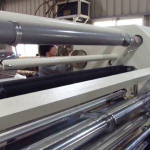 PET 0.65mm slitter at 180M/min .unwind shaftless